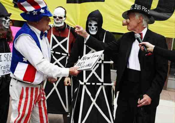 Uncle Sam presents Big Oil with drilling regulation