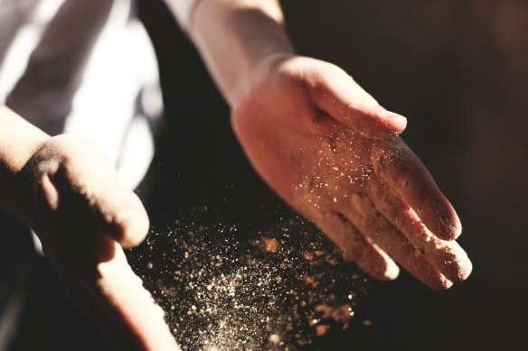 hand-dust.jpg