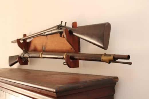 rifle-wall-benefits-of-a-wall-mount-gun-rack-520x346