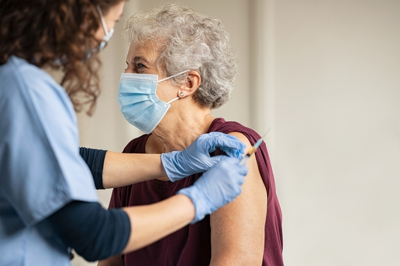 Spain, Germany, France, Italy and other countries ban use of COVID-19 vaccine for those over 55 Elderly-injections